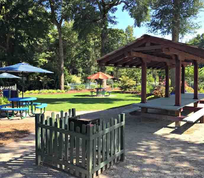 Service-and-Arboretum